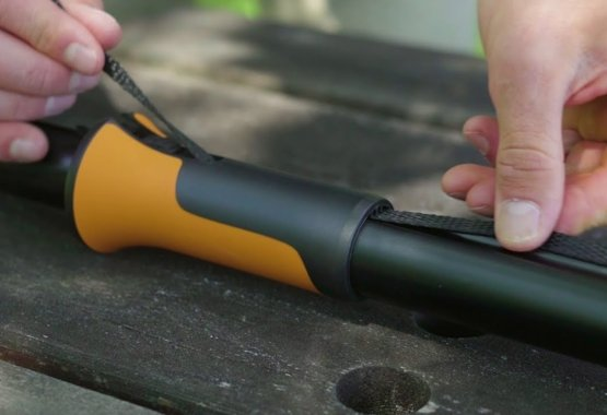 Hoe vervang je het touw van de Fiskars UPX86 snoeigiraffe